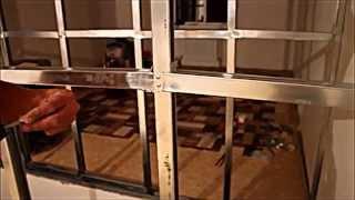 Как сделать каркас межкомнатной перегородки из металлических конструкций(В этом видео вы увидите как своими руками легко можно сделать каркас из металлических профилей., 2014-08-25T13:23:06.000Z)