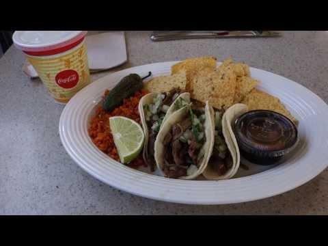 Disneyland Dining Review - Viva Navidad Street Style Tacos