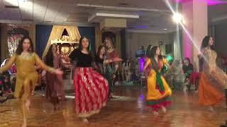 Despacito bhangra - best pakistani mehndi dance 2017