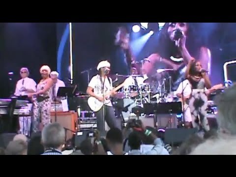 Nile Rodgers' FOLD Festival: Chic #5 ( I'm Coming Out, He's The Greatest Dancer, We Are Family)