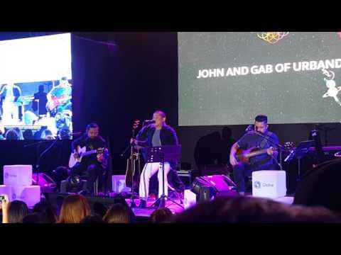 Gab and John of Urbandub at Globe Coldplay Sessions