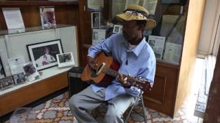 Pat Thomas performs some great authentic Delta blues at the Highway...