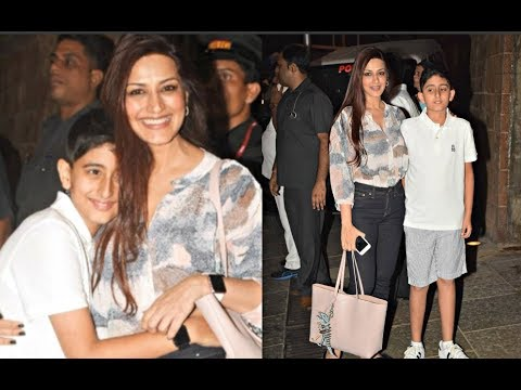 Sonali Bendre With Son Ranveer At Aaradhya Bachchan ...