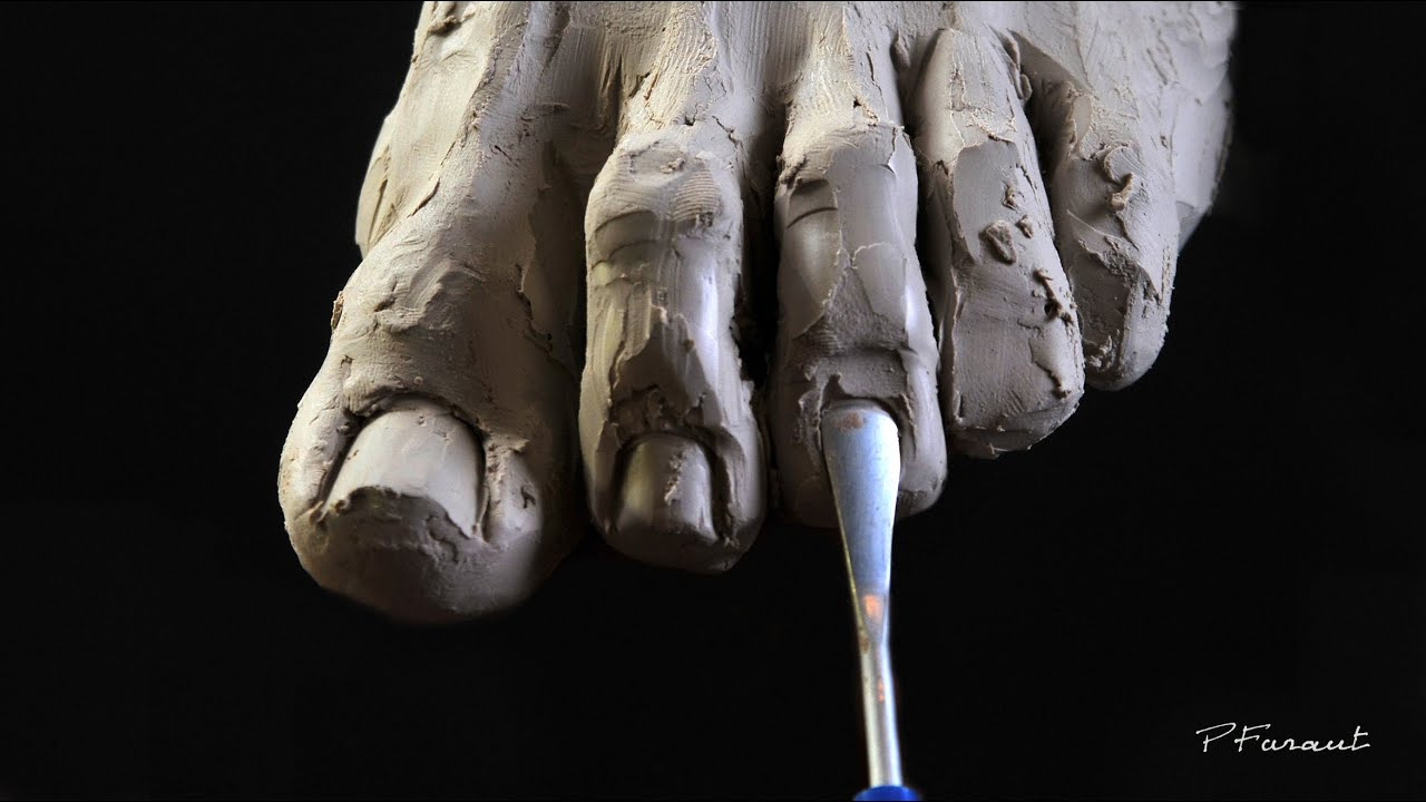 Sculpting Hands and Feet excerpt from DVD image