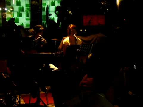 Hand In My Pocket (Acoustic Cover)-Irwan Raman,Phoebe Ong & Joshua Alexis (Ocular) @ Giraffe,S'pore.