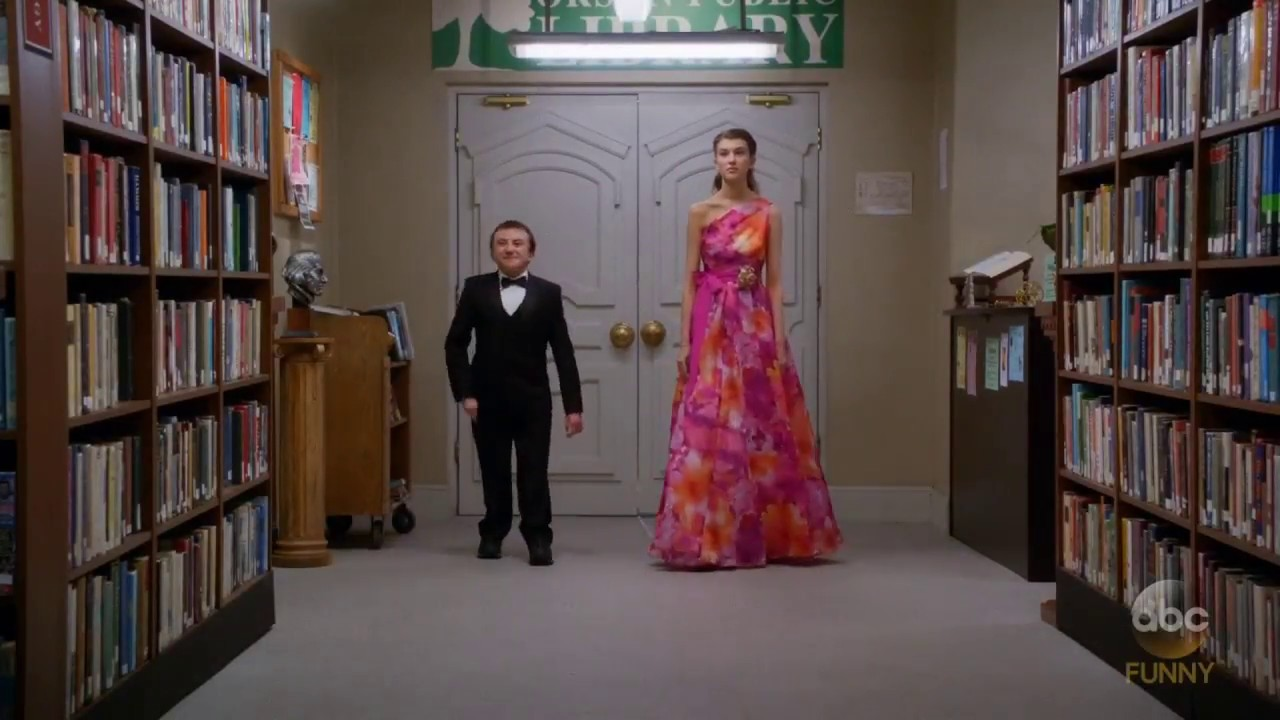 Download The Middle - Brick goes to prom with Cindy - Season 9 Episode 20