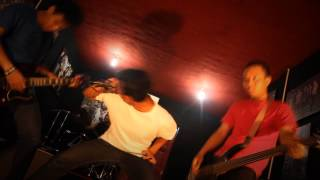 UNDER THE SCARS - DIAGNOSA DEMENSIA (OFFICIAL MUSIC VIDEO)