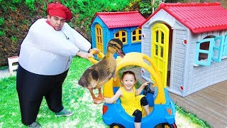 ÖYKÜNÜN ÖRDEKLERİ KAYBOLDU ! Giant cook and Ducks funny kid video