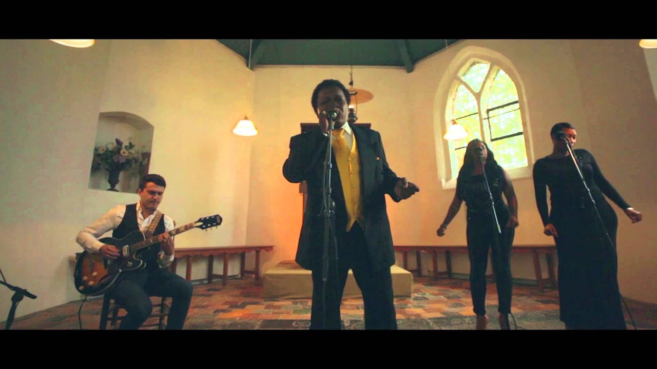 "Lee Fields ""Still Hanging On"" Acoustic Version feat. Lady"