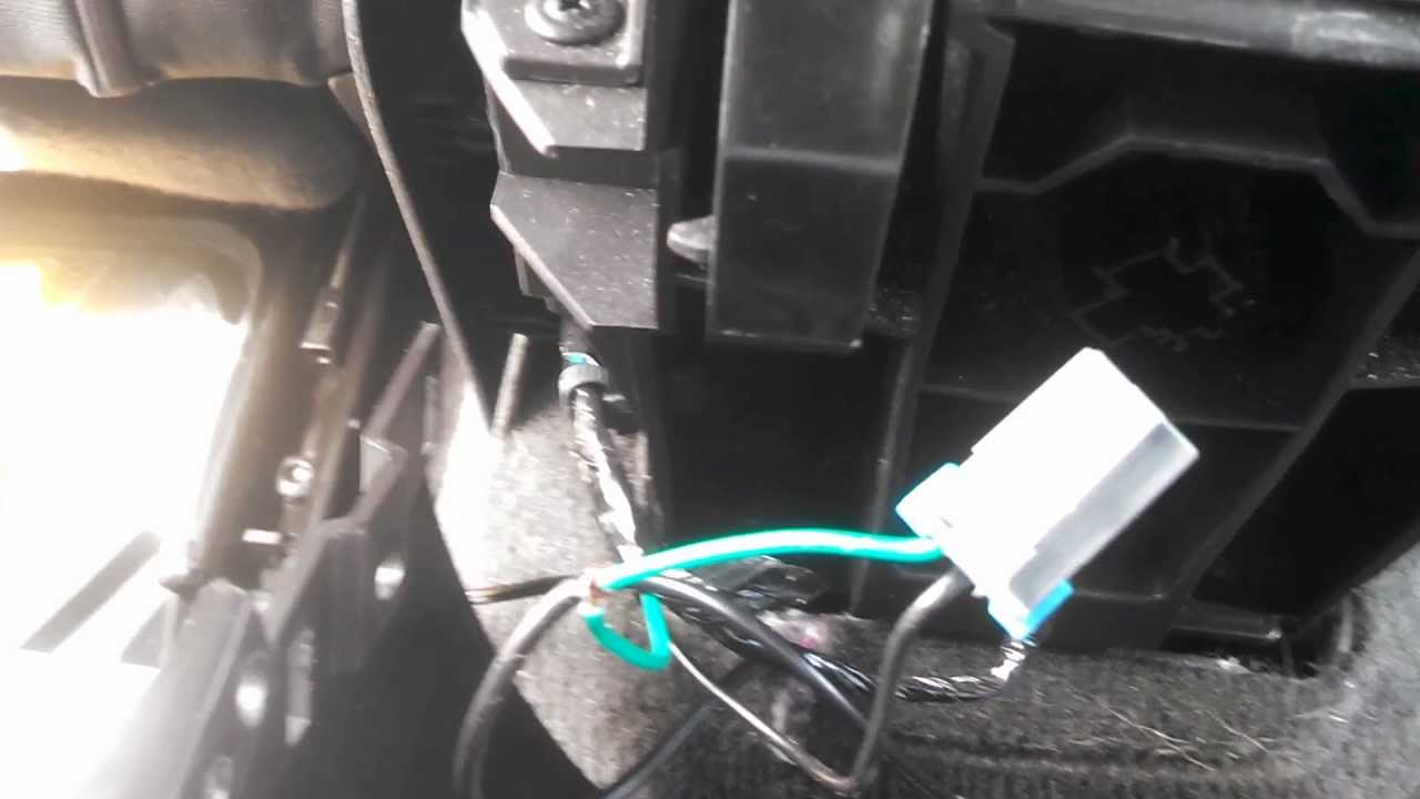 How to hook up an amp in a 2010 camaro with out replacing