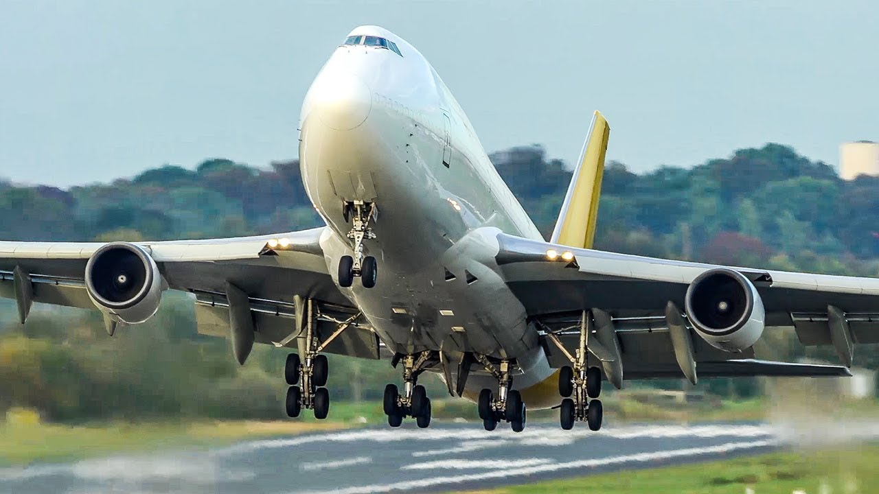 WATCH: Video of harrowing Airbus A380 landing goes viral