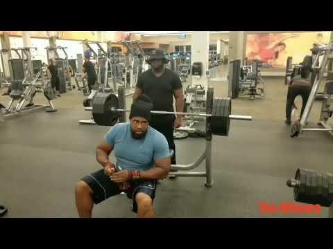 405lbs bench press