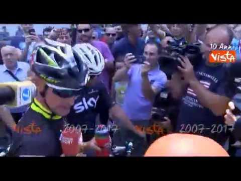 L'arrivo di Davide Nicola al Filadelfia dopo un epico viaggio da Crotone a Torino in bici