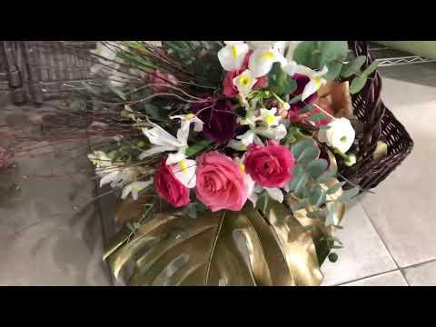 Watch Another top creative design.. AlexClever #FloristDesigner in Kuwait 🇰🇼