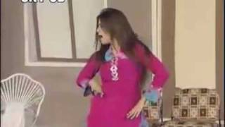 Repeat youtube video Pakistani dance on an Indian Song