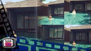 OMG, Nikita Mirzani Telanjang Saat Berenang