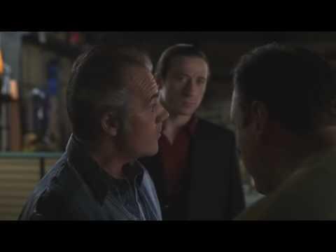 Tony Soprano,Pussy Bonpensiero,Paulie Gualtieri y Furio Quinta bromean .
