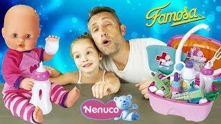 Bébé NENUCO reçoit des accéssoires sympas, dont une mallette de docteur pour panser ses blessures !