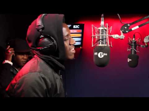 Romain Virgo and Terry Linen freestyle on 1Xtra