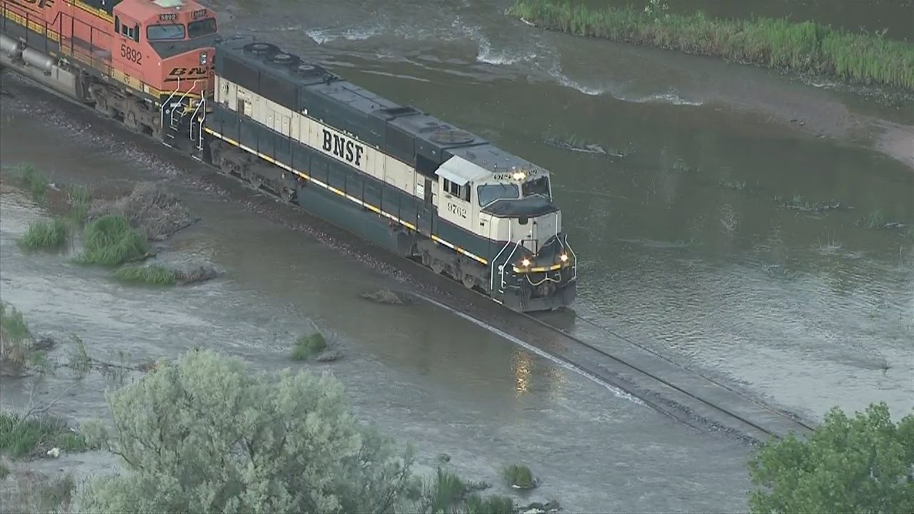 Watch train negotiate flooded track in ne colorado youtube for Famous house tracks