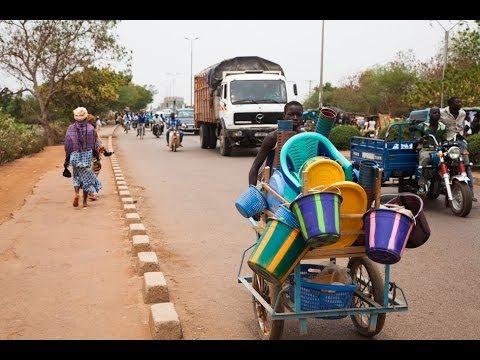 Burkina Faso  - L'excision une Lutte au Quotidien - Reportage