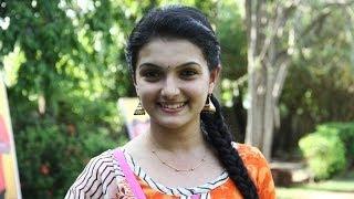 Cast and crew of Kadhalai Thavira Verondrumillai are like a true family - Saranya Mohan