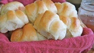 Easy Sweet Dinner Rolls Recipe (Honey Butter)