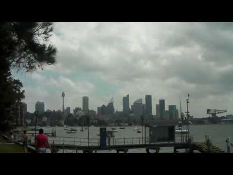Sydney Harbour mit Party Musik