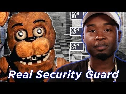 Real Security Guard Tries Surviving Five Nights At Freddy's • Professionals Play