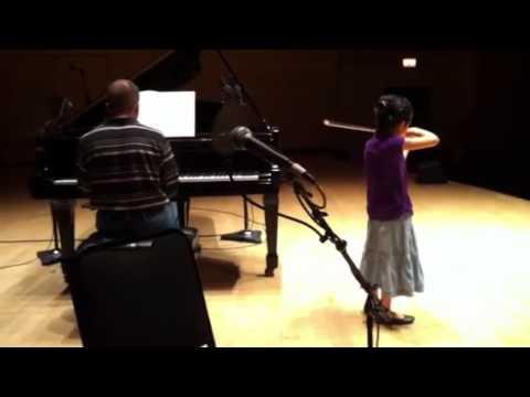 Elizabeth Aoki sound checks Wieniawski