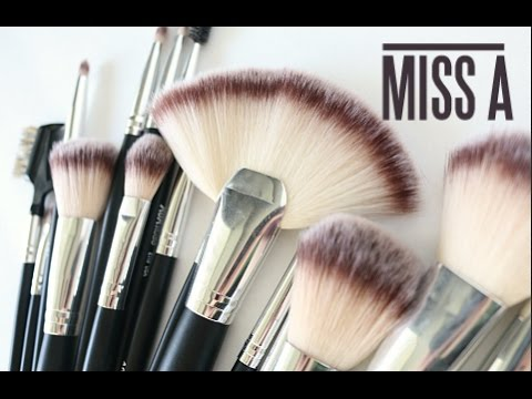 NEW SHOP MISS A 24 Piece Brush set Review & Demo!