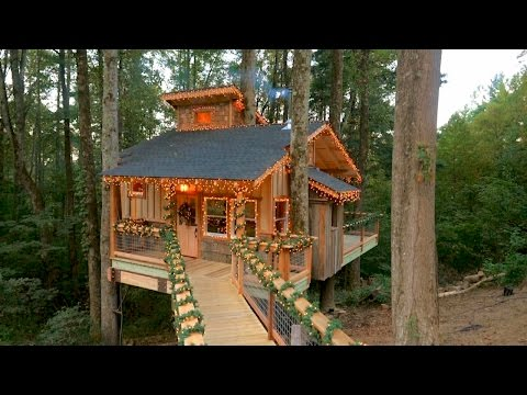 Behind the Build: Christmas Treehouse | Treehouse Masters