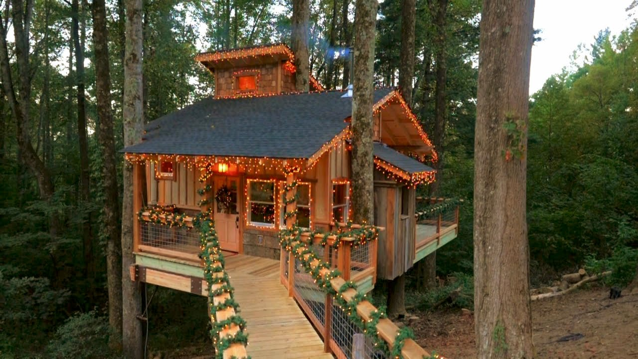 Behind the Build Christmas Treehouse  Treehouse Masters