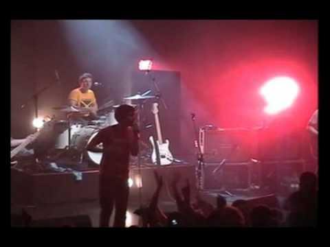 Arctic Monkeys - Perhaps Vampires is a bit Strong but.. (Astoria 2005)