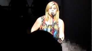 "Kelly Clarkson - Fan Request ""Changes"" by Black Sabbath - Birmingham LG Arena - 14.10.12"