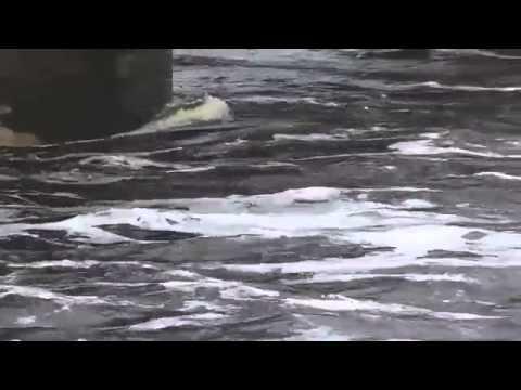 Наводнение в Амурской области 2013  Водосброс на Зейской ГЭС HD)