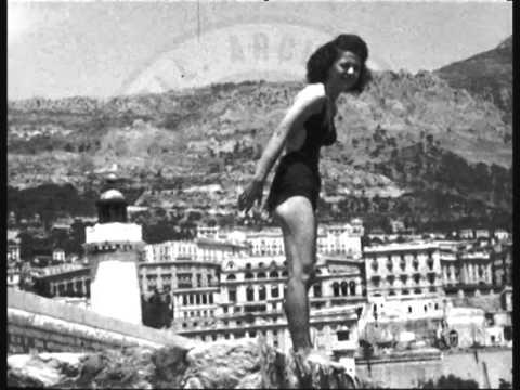 Sur la jetée du port de Monaco (années 40)
