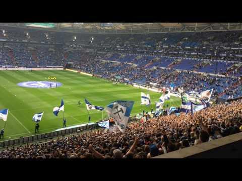 Derby Schalke - Dortmund Nordkurve Einzug Der Mannschaft