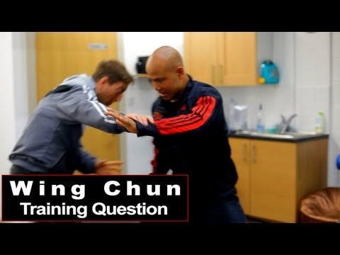 wing-chun-training---wing-chun-attack-with-a-shoulder-q60