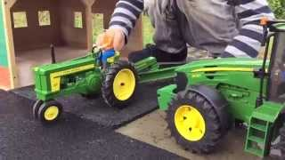 BRUDER Tractor Toys for KIDS meets ERTL John Deere 720 played by Jack (3)