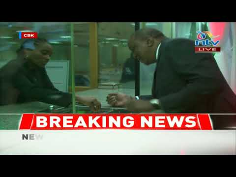 President Uhuru Kenyatta unveils new Kenyan currency at Central Bank