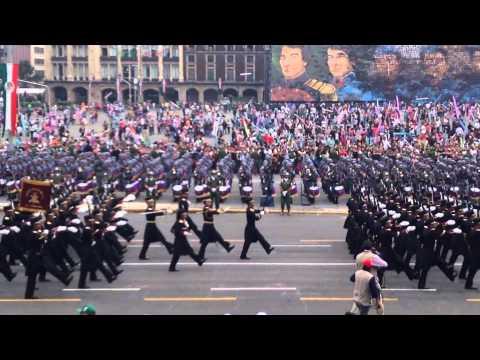Paso de las tropas del hcm. Desfile del 16 de septiembre.