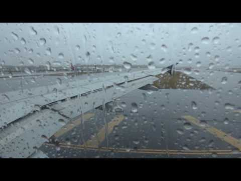 Delta A319 rainy takeoff from New York LGA