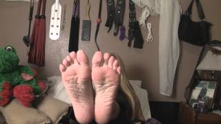 Femdom, smoking fetish, foot worship, bare feet, wrinkle feet