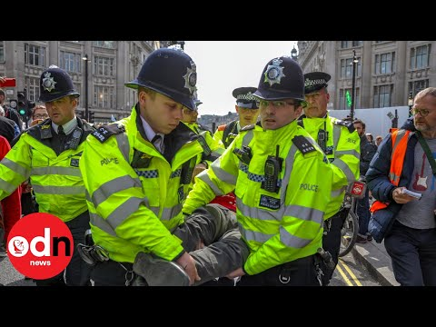 Police arrest Extinction Rebellion climate protesters in Oxford Circus