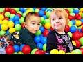 Развивающие видео для малышей Дада игрушки — Бьянка, Марта и Карл играют в развивающие игрушки