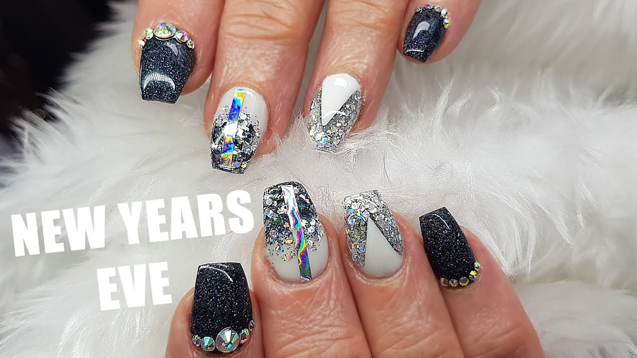 New Years Eve Short Acrylic Nails | Infill | Re design | Silver ...