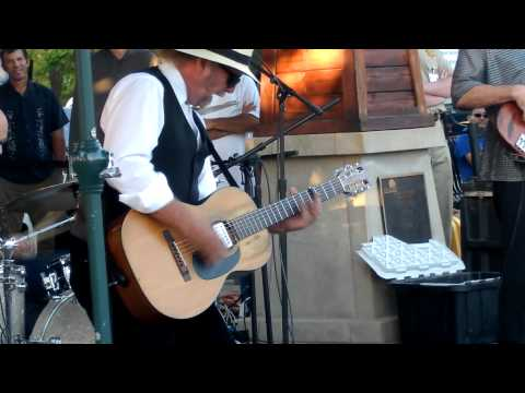 Roy Rogers laying it down in Windsor  7-5-2012