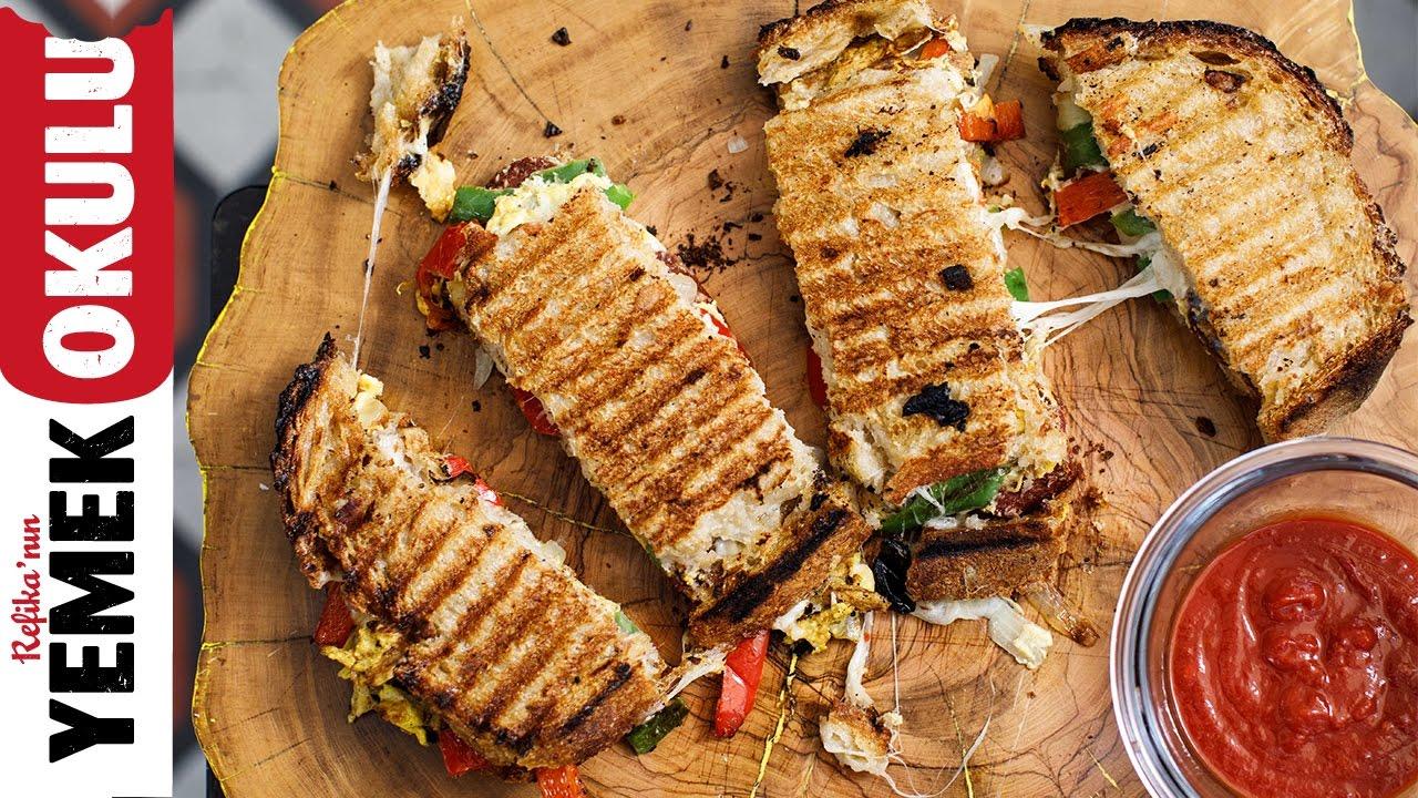 Salçalı, Sucuklu Tost | 5 Dakikalık Yemekler