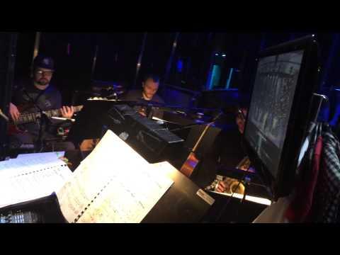 BACKSTAGE TV: Bandet og teknikkerne giver den gas - Dirty Dancing